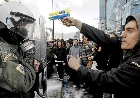 CORRECTION-GREECE-VIOLENCE